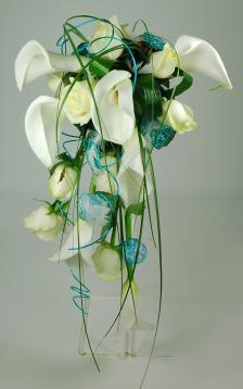 bouquet de mari e en jet e plongeant livraison fleurs. Black Bedroom Furniture Sets. Home Design Ideas